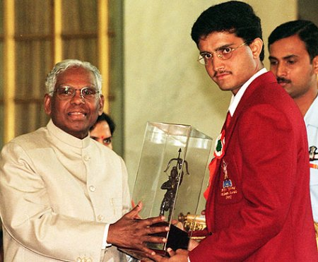 Dada receiving awards